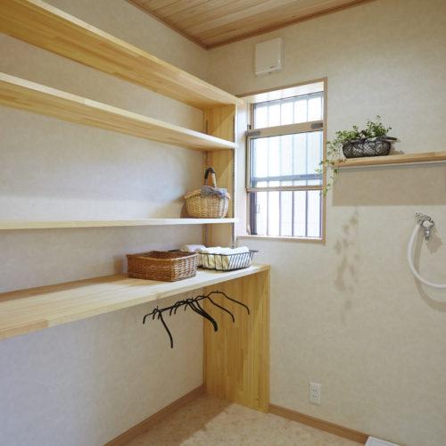 奈良木の家、奈良注文住宅、ランドリールーム