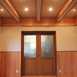 奈良の木の家 扉