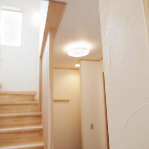 奈良の木と漆喰の家なら平野木材 階段