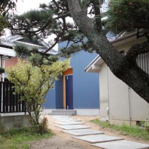 奈良で金属サイディングの木の家なら平野木材 庭
