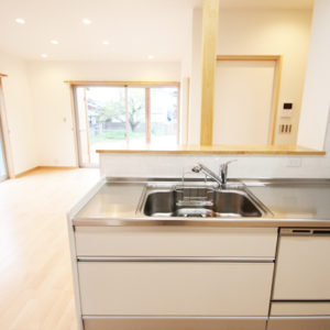 奈良で金属サイディングの木の家なら平野木材 キッチン