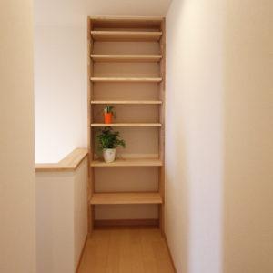 奈良でスタイリッシュな木の家なら平野木材 造作棚