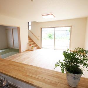 奈良でスタイリッシュな木の家なら平野木材 カウンター