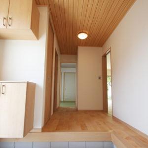 奈良でスタイリッシュな木の家なら平野木材玄関