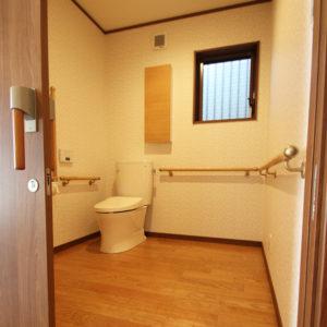 奈良でバリアフリーの木の家 なら平野木材 トイレ