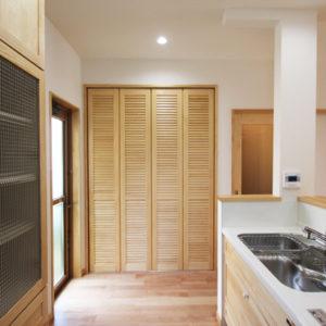 奈良でさくら無垢の木の家 収納平野木材