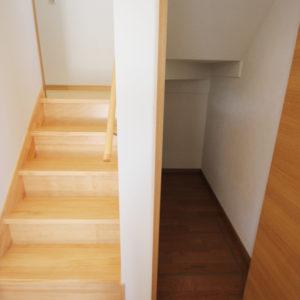 奈良でさくら無垢の木の家 階段平野木材