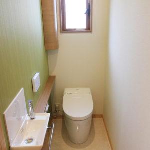 奈良でさくら無垢の木の家 トイレ平野木材