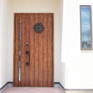 奈良でさくら無垢の木の家 ドア平野木材