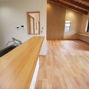 奈良で和風モダンの木の家 キッチンカウンター平野木材
