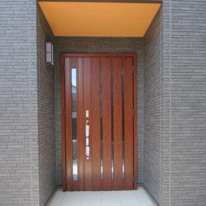 奈良で和風モダンの木の家 ドア平野木材