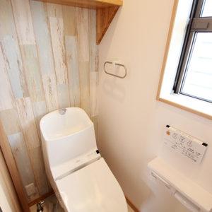 奈良でひのき無垢材の木の家 トイレ平野木材