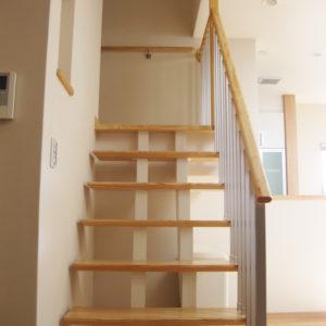 奈良でエコな木の家なら平野木材 階段