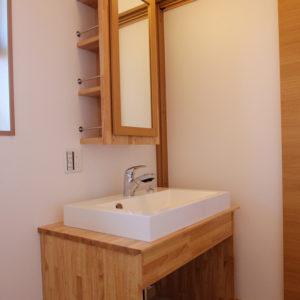 奈良で土地を活かした木の家なら平野木材 洗面台