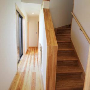 奈良で土地を活かした木の家なら平野木材 階段