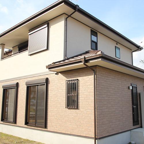 奈良で構造にひのき無垢材の木の家なら平野木材