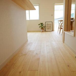奈良のかっこいい木の家 ひのき無垢床 平野木材