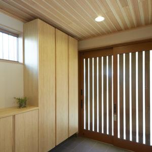 奈良の木の家 ネコと暮す玄関 平野木材