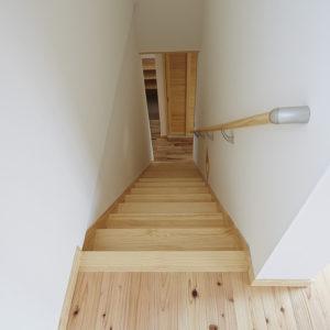 奈良の旧家リフォーム木の家 階段平野木材