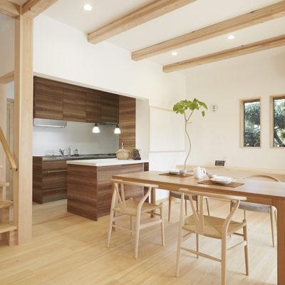 奈良で無垢と漆喰なら平野木材