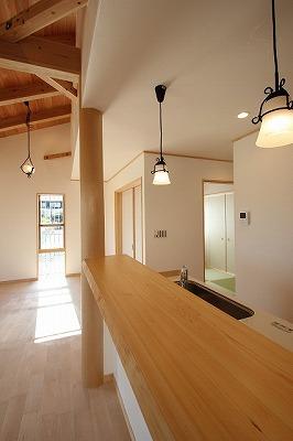 奈良で丸太のある暮らしなら平野木材
