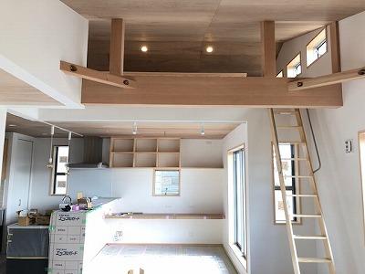 奈良2階リビングの木の家なら平野木材