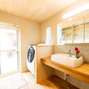 奈良で古民家旧家リフォームの洗面室なら平野木材