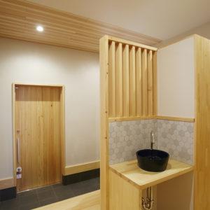 奈良で木の玄関のある平屋の木の家なら平野木材