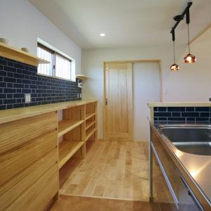 奈良でタイルと平屋の木の家なら平野木材