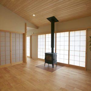 奈良で薪ストーブのある平屋の木の家なら平野木材