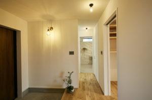 奈良で木の家の玄関なら平野木材へ