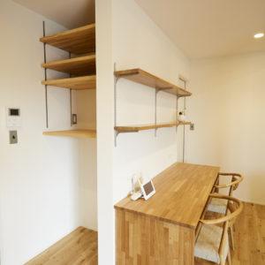 奈良でスタディデスク造作なら平野木材