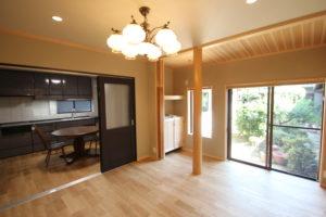 奈良で木の家旧家リフォーム古民家再生の工務店のリビングなら平野木材