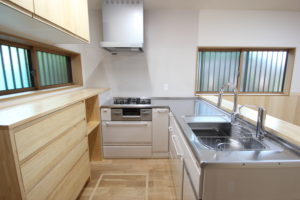 奈良で古民家旧家のキッチンリフォームなら木の家注文住宅の工務店平野木材へ